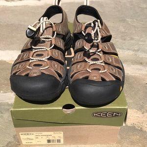 Keen Newport Waterproof Sandal Mens 7 Womens 8.5/9